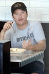 Kevin Connolly of the hit television series Entourage grabs a bi