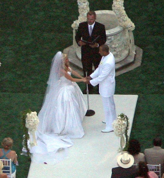 Kendra Wilkinson Wedding: Pregnant Kendra Wilkinson Gets Married At