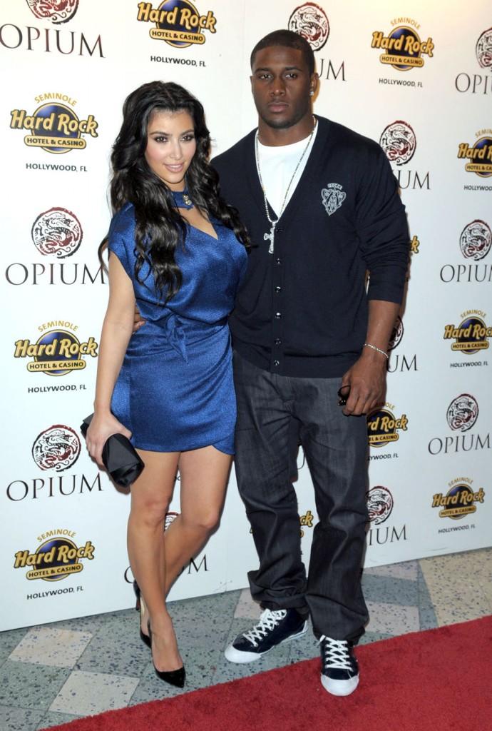 kim kardashian pregnant for kanye west. kim kardashian 120409