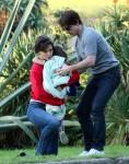 Katie Holmes, Suri Cruise, Tom Cruise