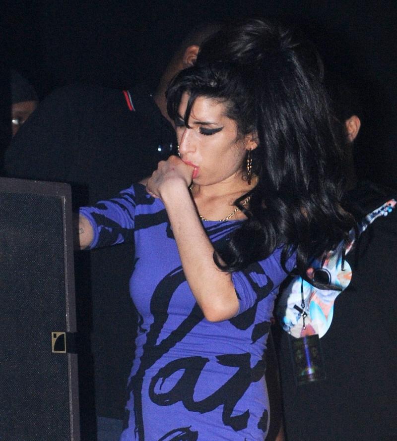 Cele Bitchy Amy Winehouse S Ballerina Slippers Return