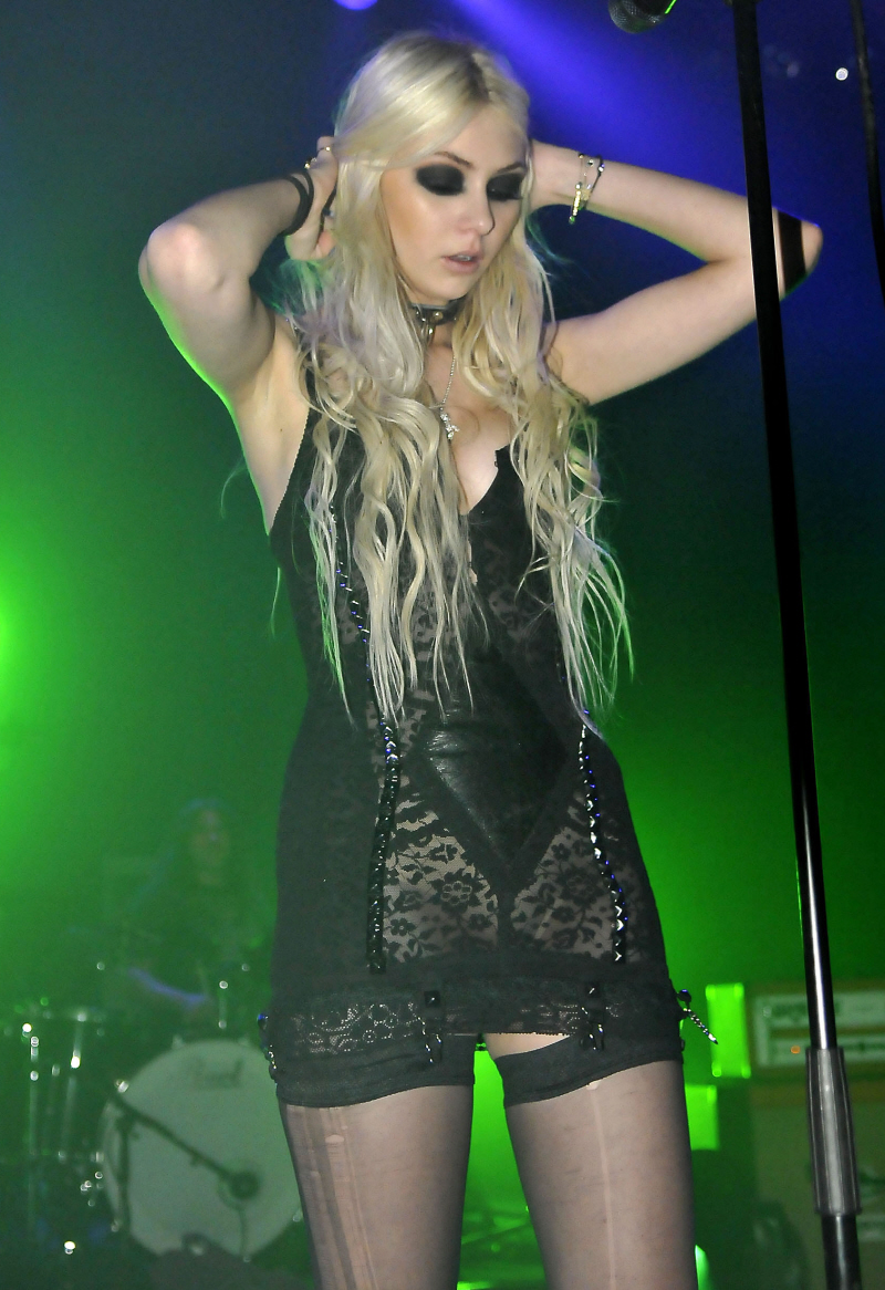 Taylor Momsen Pretty Reckless