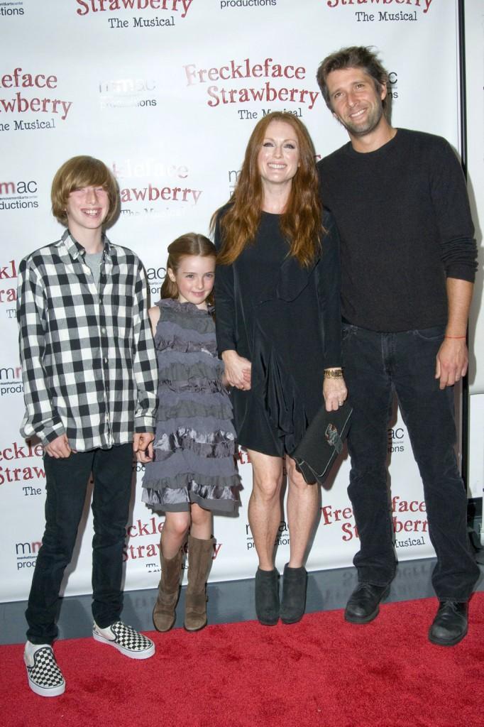Джулианна мур и дети фото