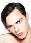 hoult3