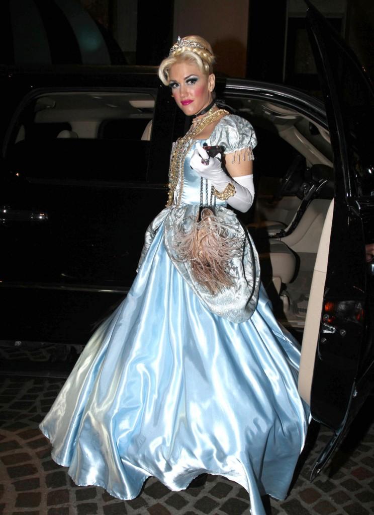 Cele Bitchy Gwen Stefani S Cinderella Halloween Costume