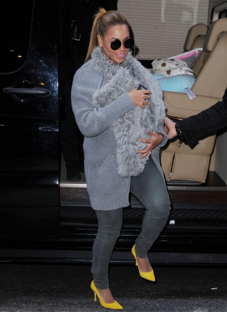 FFN_Beyonce_BabyBlue_AAR_032712_8919826
