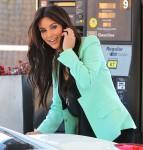 FFN_KardashianKim_Gas_RIV_030912_8854985