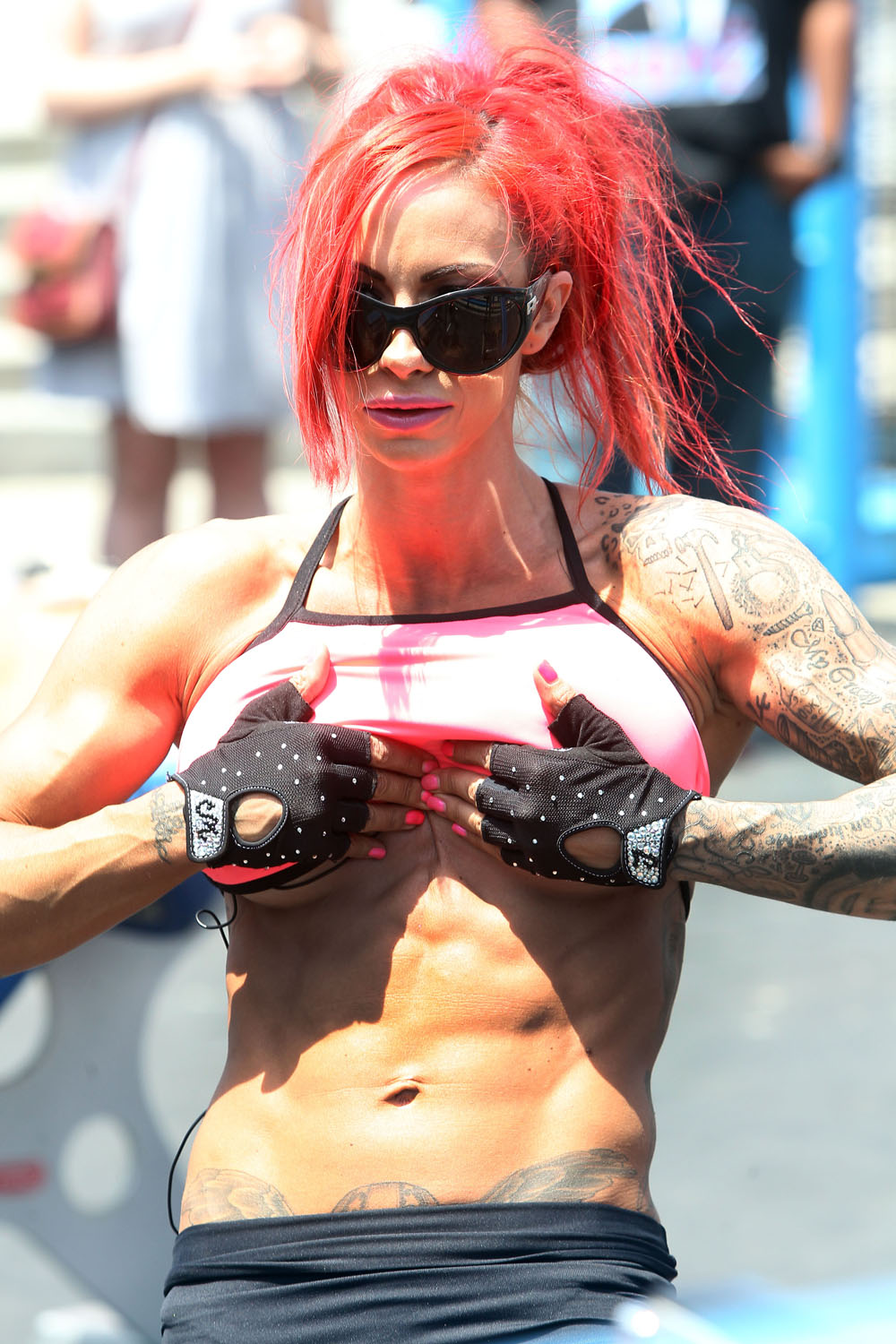 free-paparazzi-upskirt-photos-of-jodie-marsh-transsexual-with-biggest-breast-implants-tits