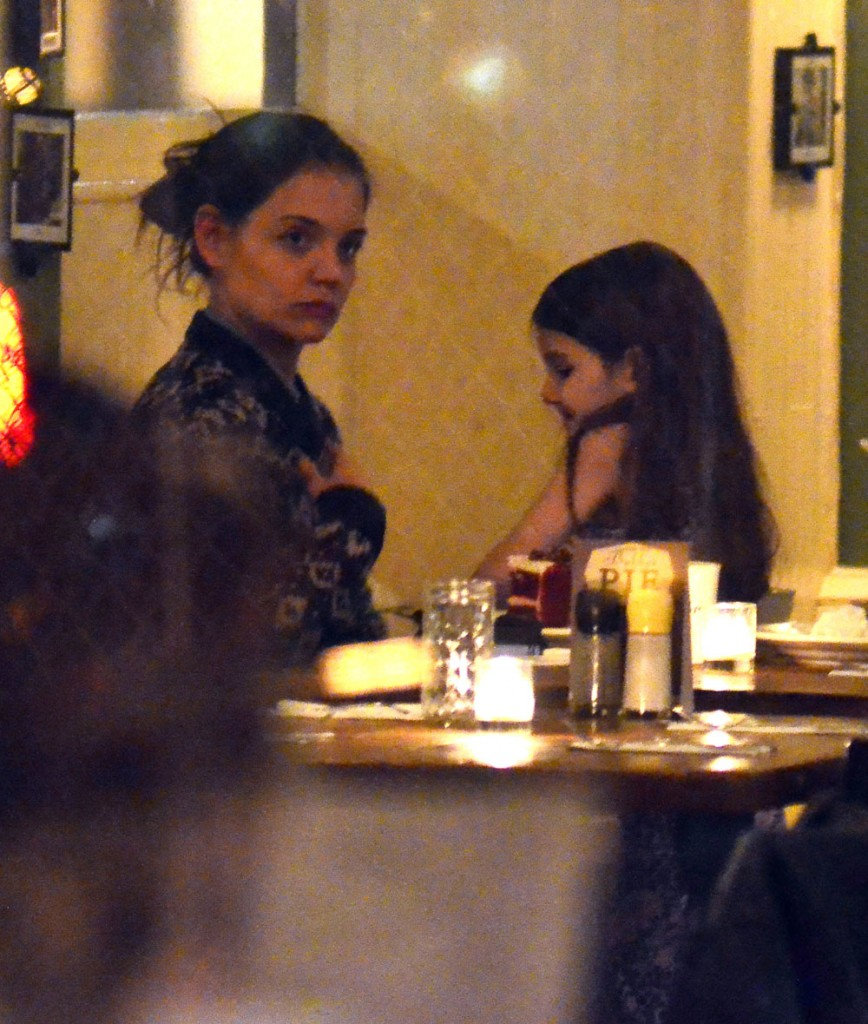 Katie Holmes And Daughter Suri Out For Dinner In New York