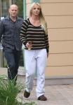 FFN_Spears_Britney_EXC_FF9_102012_50921513