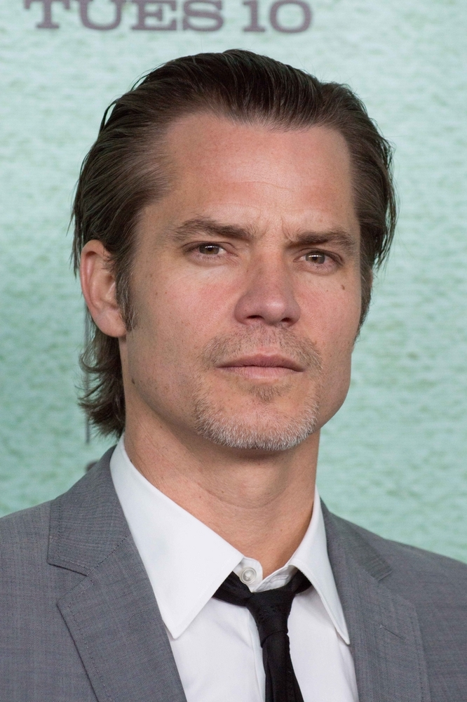 timothy olyphant height - 666×1000