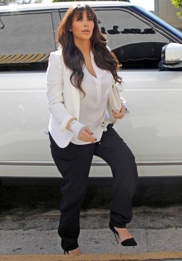FFN_Kardashian_K_VM_MIGUEL_PREMIERE_031313_51036410