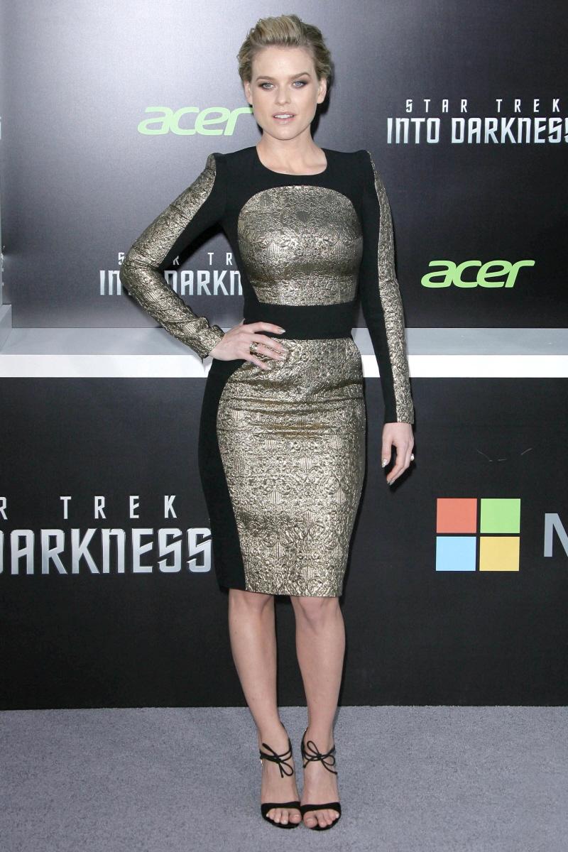 Cele Bitchy Zoe Saldana In Rodarte At La Star Trek