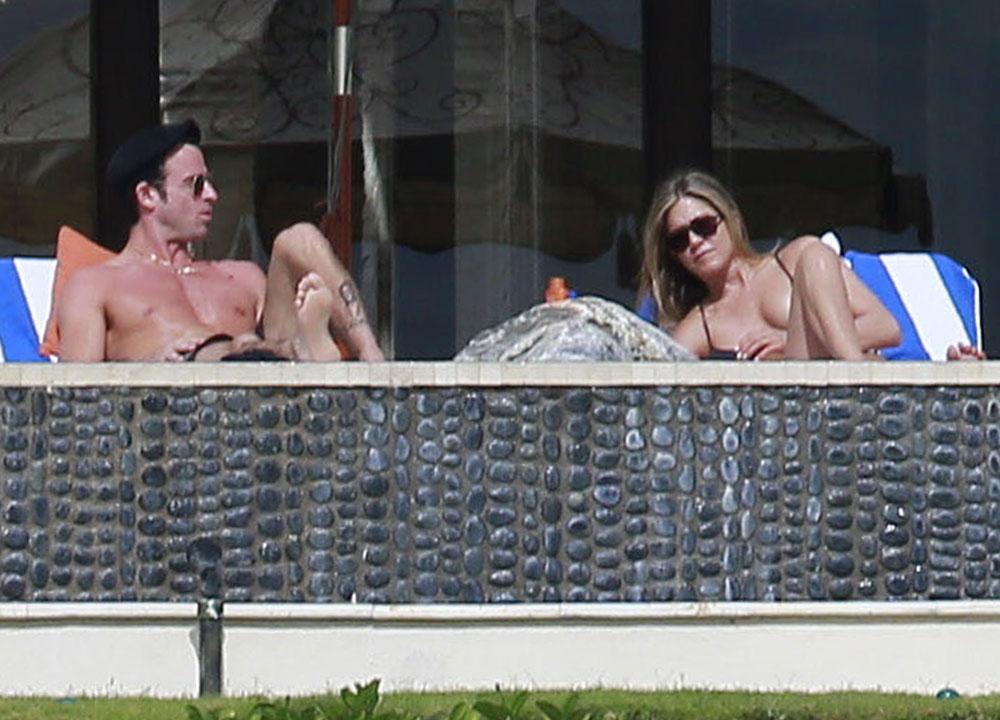 Jennifer aniston nude sunbathing