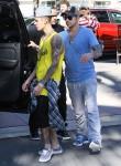FFN_Bieber_Justin_VEM_MIPIXX_EXC_012214_51313903