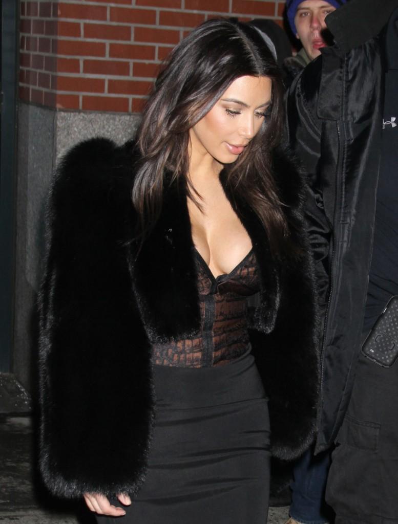 FFN_Kardashian_Kim_GG_021614_51332088