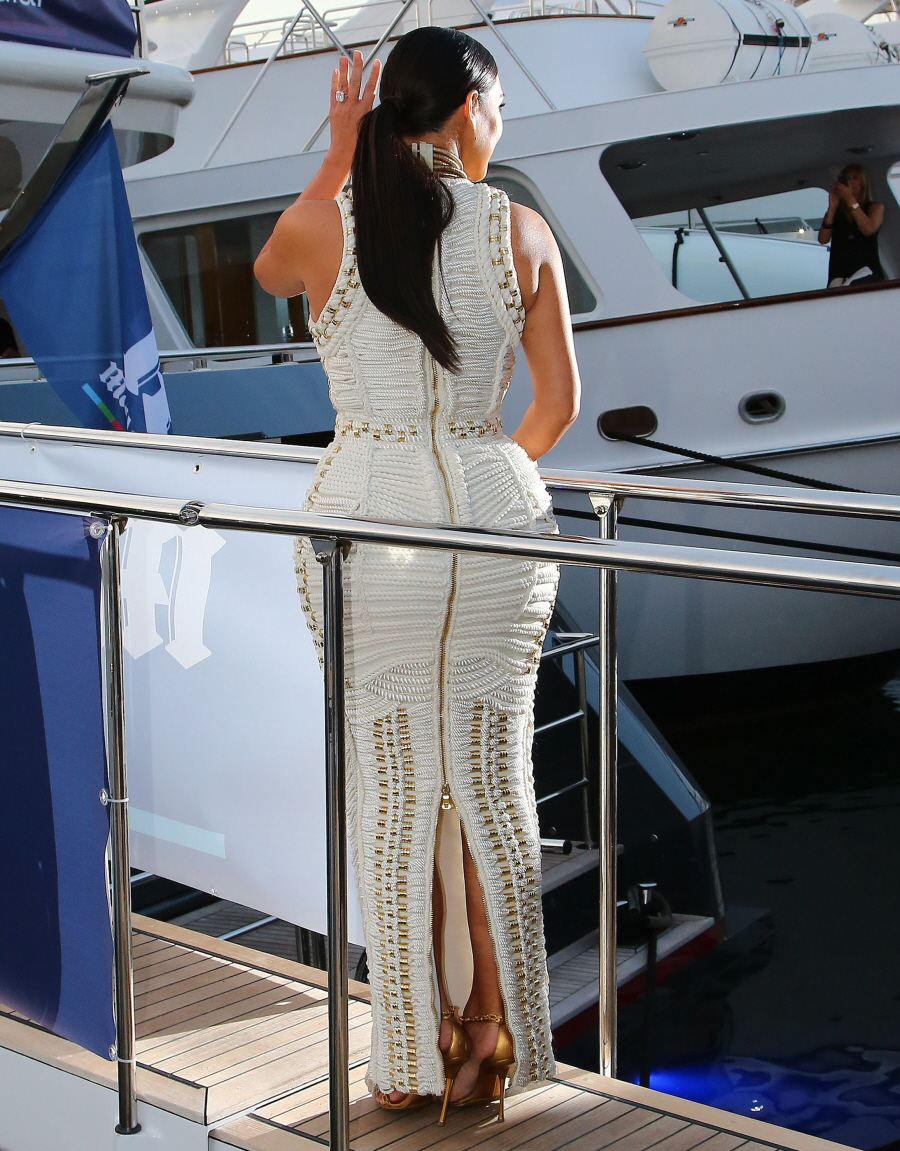 FFN_Kardashian_Kim_BRK_061814_51454730