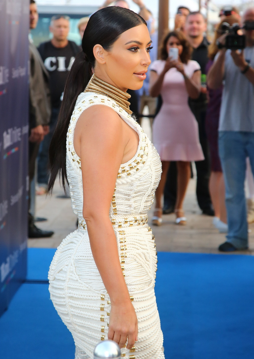 FFN_Kardashian_Kim_BRK_061814_51454742
