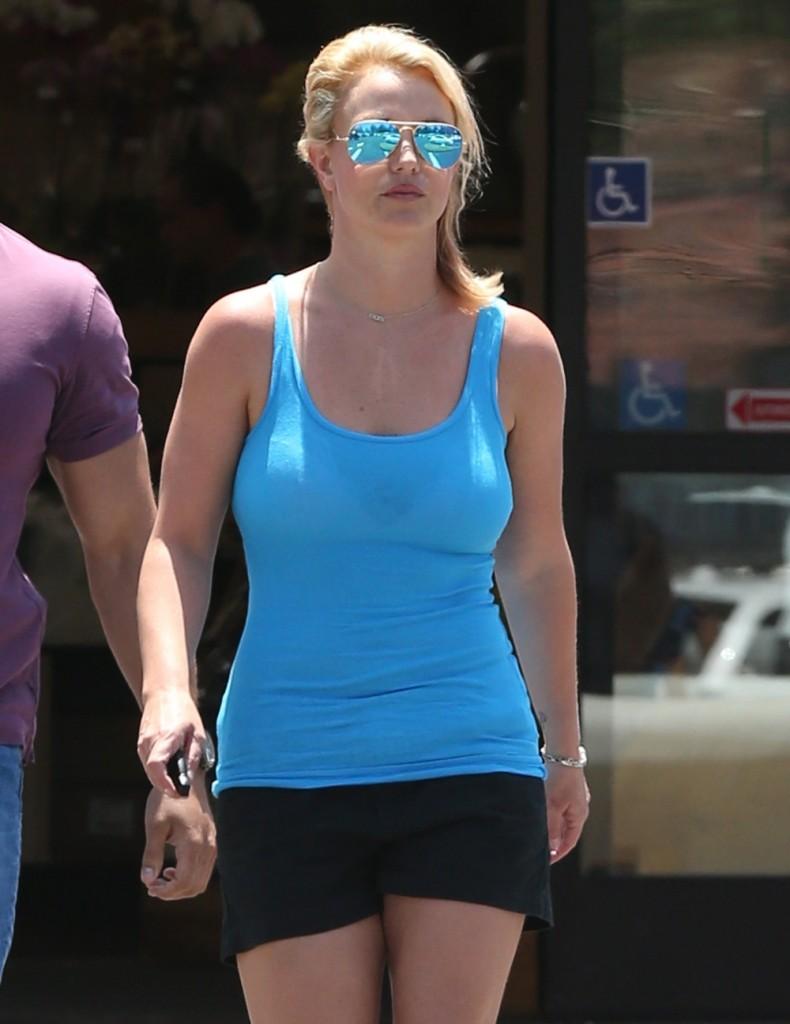 FFN_Spears_Britney_FF8_062514_51461687