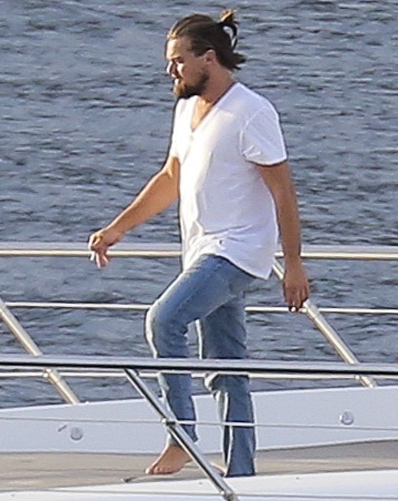 FFN_DiCaprio_YachtKarate_EXCL_PAL_072214_51484443