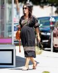Exclusive... Pregnant Rachel Bilson Goes Shopping