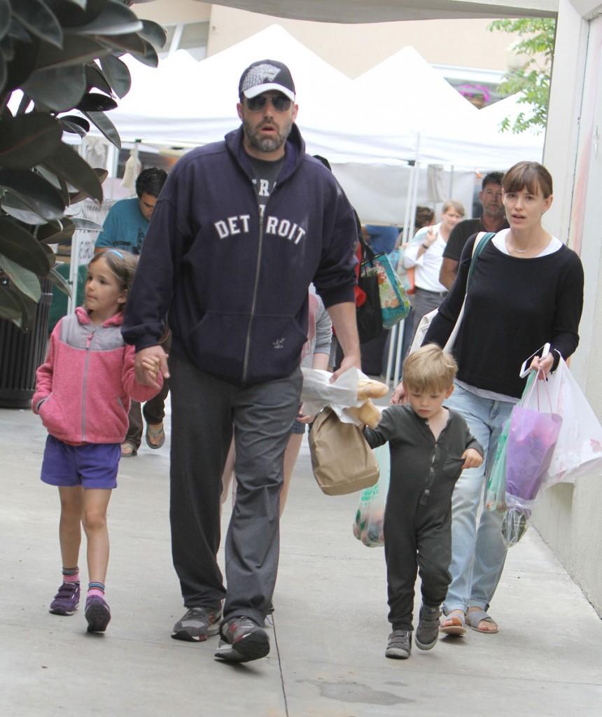 Jennifer Garner and Ben Affleck at the Farmers Market