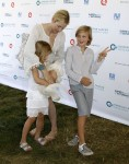 Kelly Rutherford Poses For Playful Pics With Her Children As Custody Battle Continues