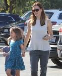 Jennifer Garner Takes Her Kids To The Farmer's Market