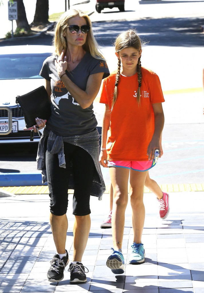Denise Richards Takes Her Daughters Out To Lunch