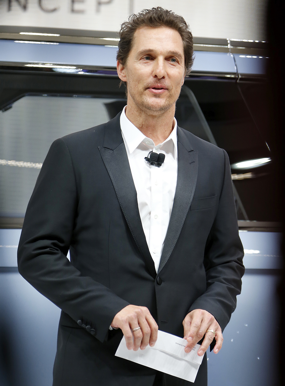 cele bitchy matthew mcconaughey to continue to make lincoln ads for a few more years. Black Bedroom Furniture Sets. Home Design Ideas
