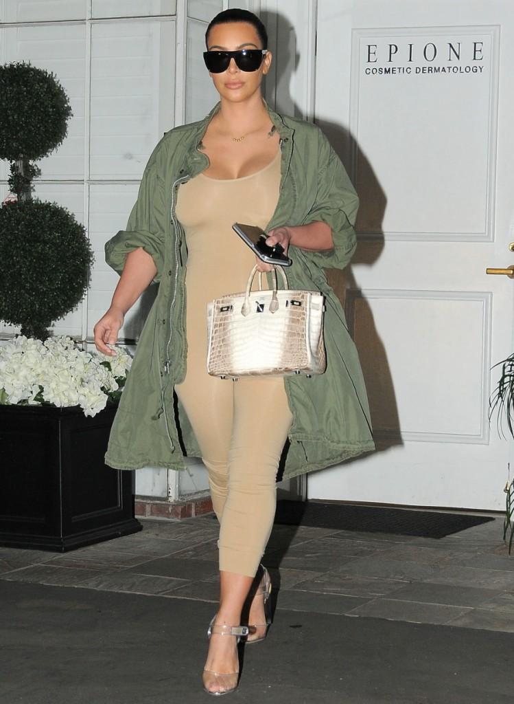 FFN_SAJRO_Kardashian_Kim_030216_51985679