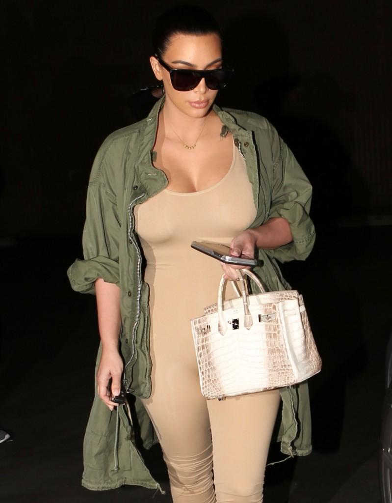FFN_SAJRO_Kardashian_Kim_030216_51985695