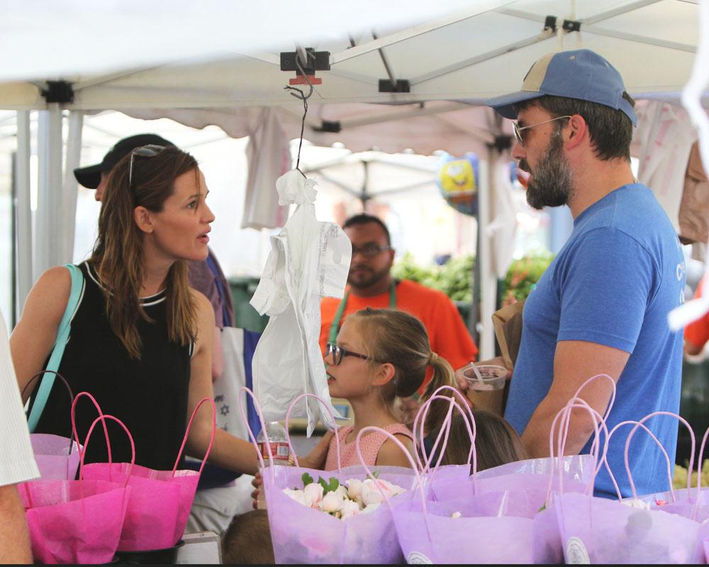 Ben Affleck and Jennifer Garner have tense discussion at the Farmers Market