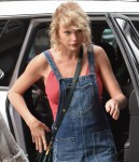 FFN_CAL_Swift_Taylor_Home_080816_52143627