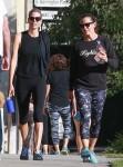 Jennifer Garner Grabs Coffee After The Gym