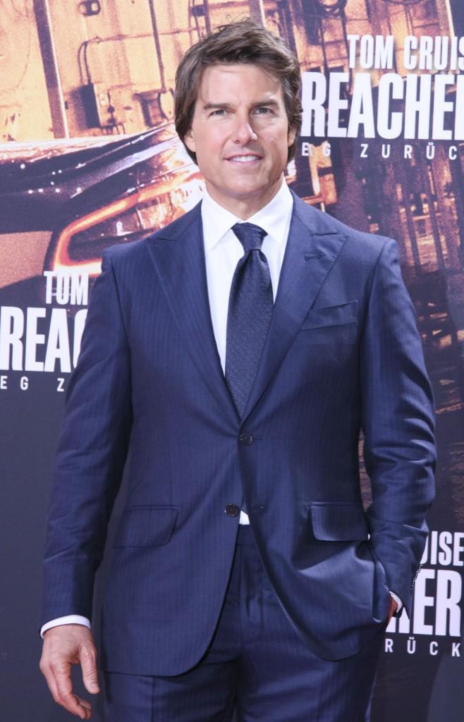 Celebitchy Tom Cruise Declares His Allegiance To Scientology - Tom cruise religion