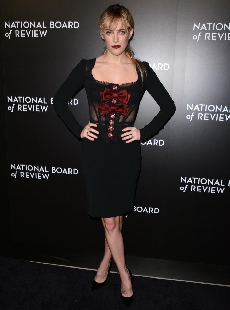 wenn30684063  bitchy | Amy Adams in Marchesa on the NBR Awards in NYC: beautiful or meh? wenn30684063