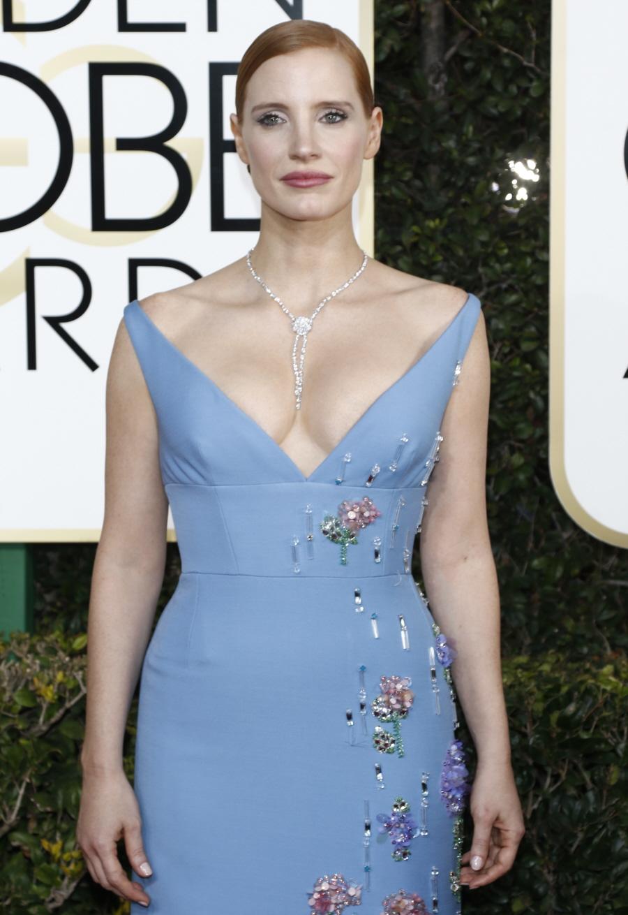 wenn30702580  bitchy | Natalie Portman in chartreuse Prada on the Golden Globes: dated, fug or cute? wenn30702580