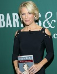 Megyn Kelly signs copies of 'Settle For More' at Barnes & Noble