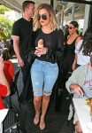 Kim, Khloe, and Kourtney Kardashian Out For Lunch In Los Angeles