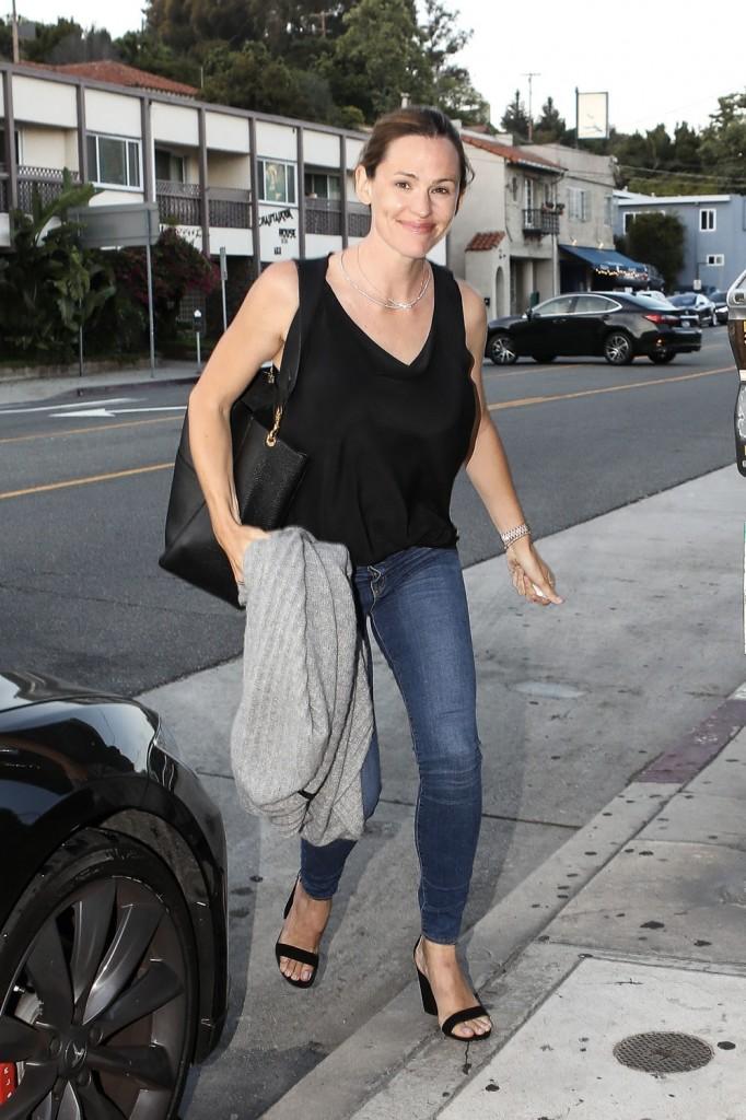 Jennifer Garner does dinner at Giorgio Baldi after Ben Affleck took Lindsay Shookus there
