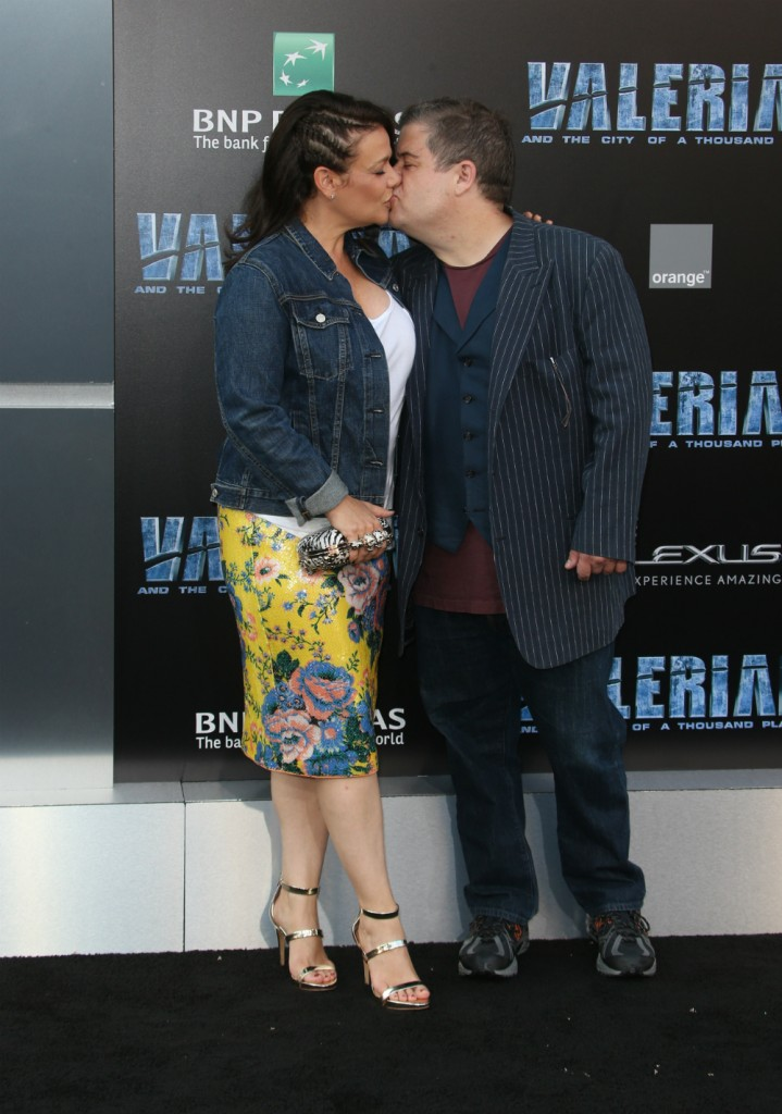 Patton Oswalt and Meredith Salenger cozy up at Comic-Con