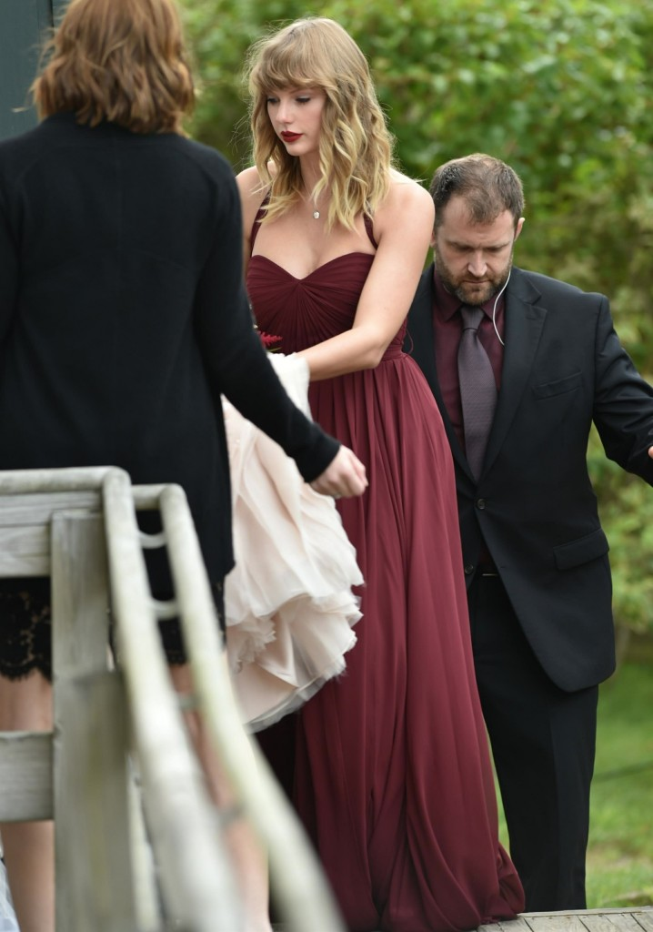 Taylor Swift celebrated her bffs wedding at Martha's Vineyard