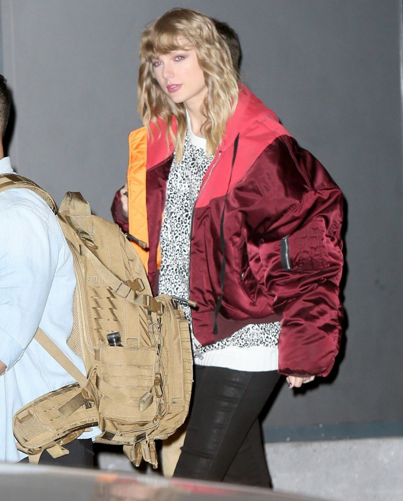 Taylor Swift seen leaving secret performance at South St., Seaport