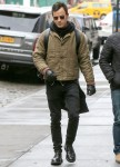 Justin Theroux hangs out with a buddy in NYC