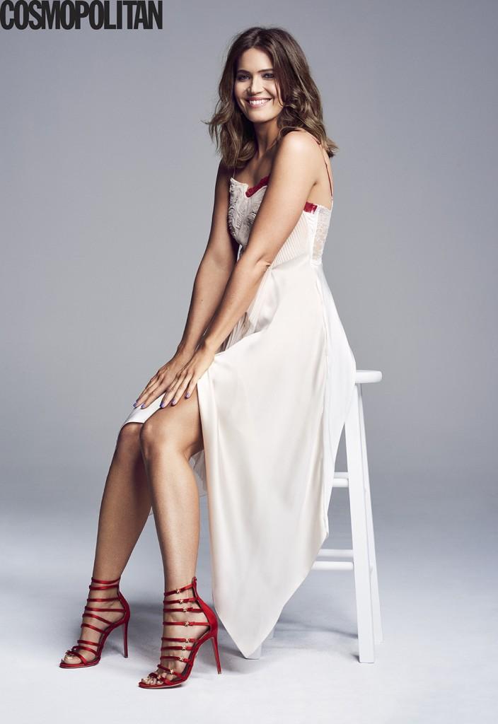 Cosmopolitan - Mandy Moore 1