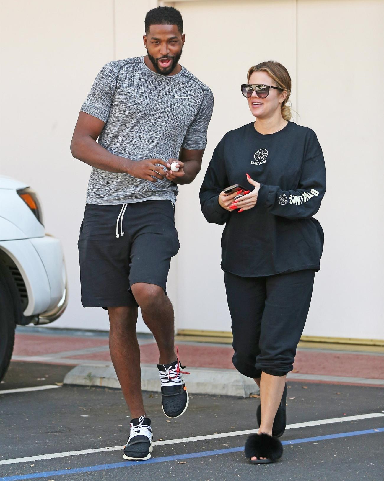 Khloe Kardashian y Tristan Thompson visita de un láser center