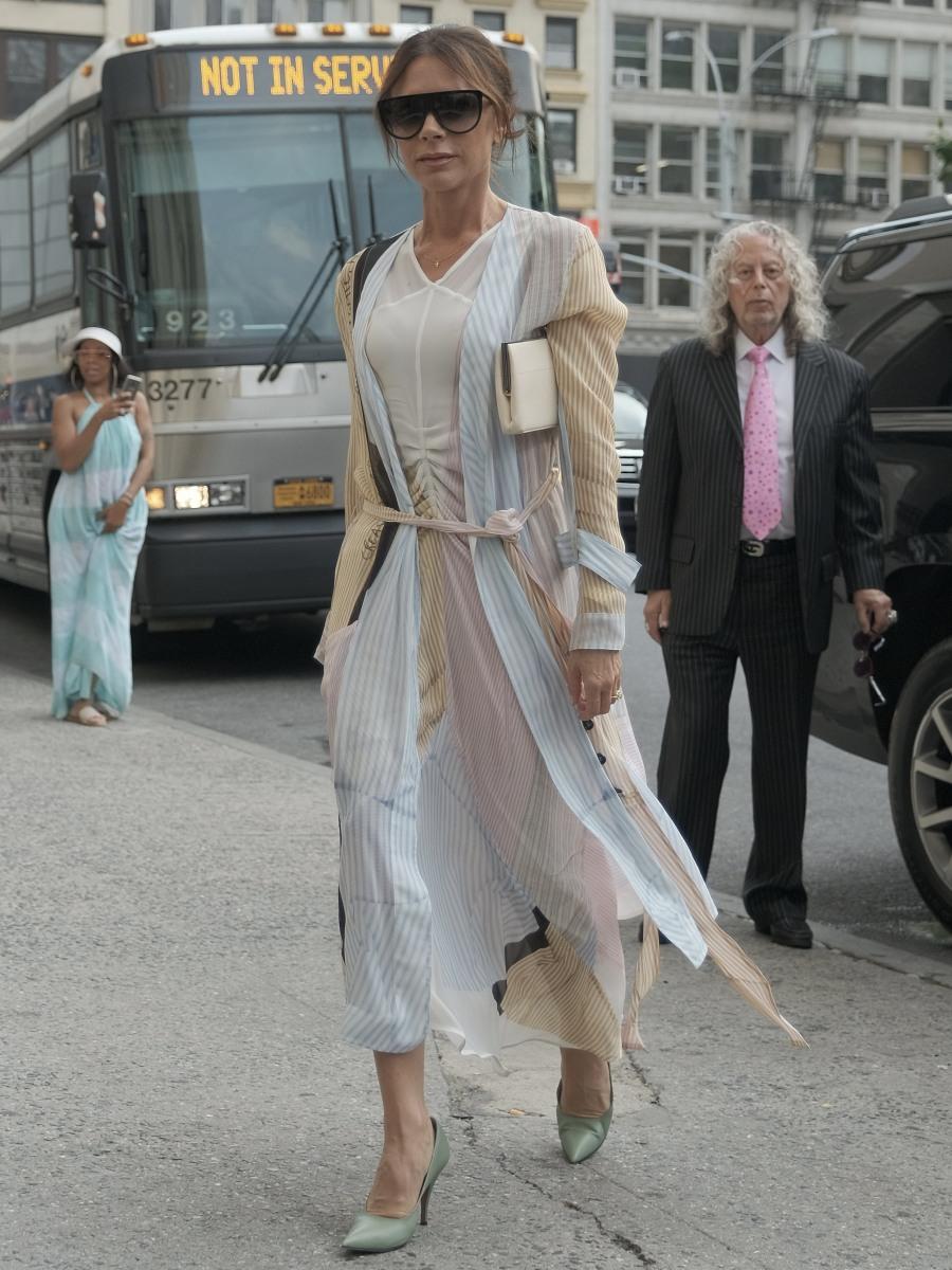 Victoria Beckham returning to her hotel