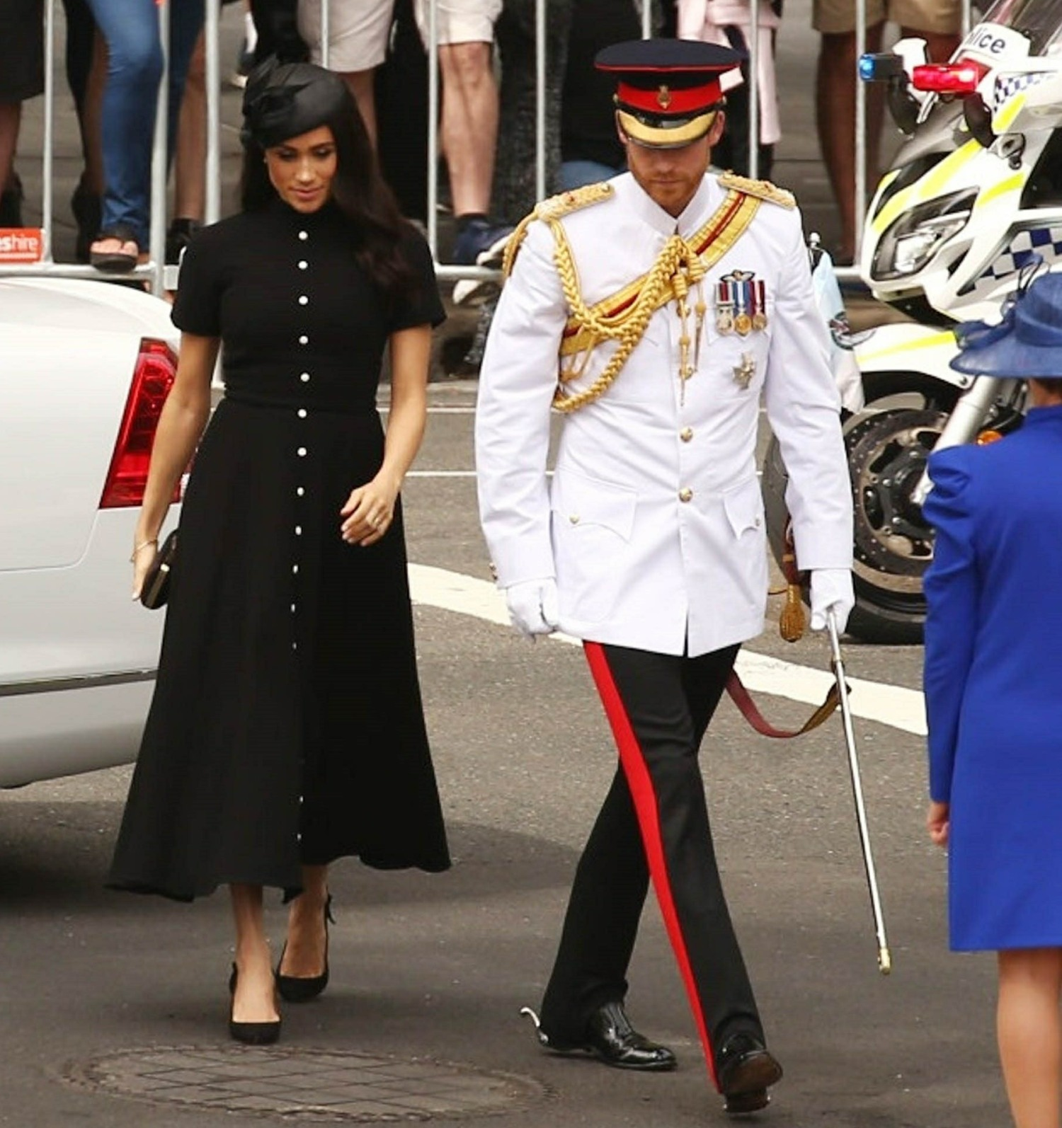 Button War: Duchess Meghan Is Here To Snatch