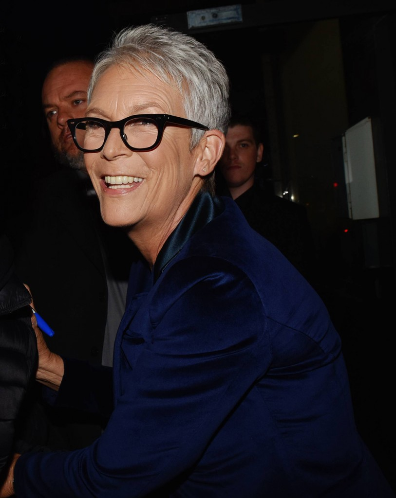Jamie Lee Curtis: Women don't 'need muscles to be strong; strength is intelligence'